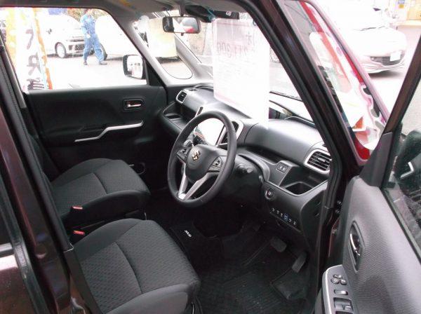 ソリオ・ハイブリッドの運転席画像